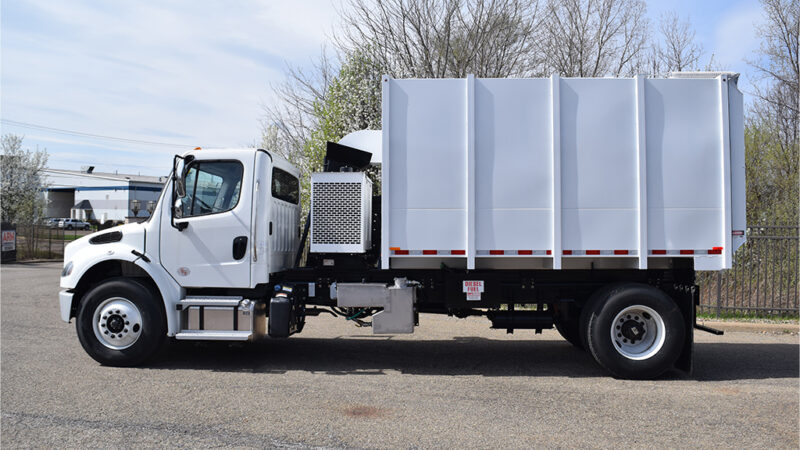 4-ARM-TruckCorp-Chassis-Mounted-Vacuum-Leaf-and-Debris-Collector-(2)