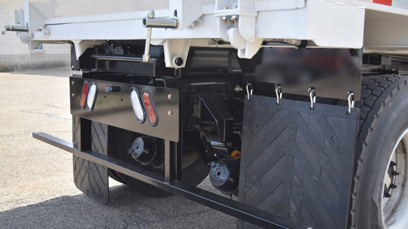 7-ARM-TruckCorp-Chassis-Mounted-Vacuum-Leaf-and-Debris-Collector-(8)