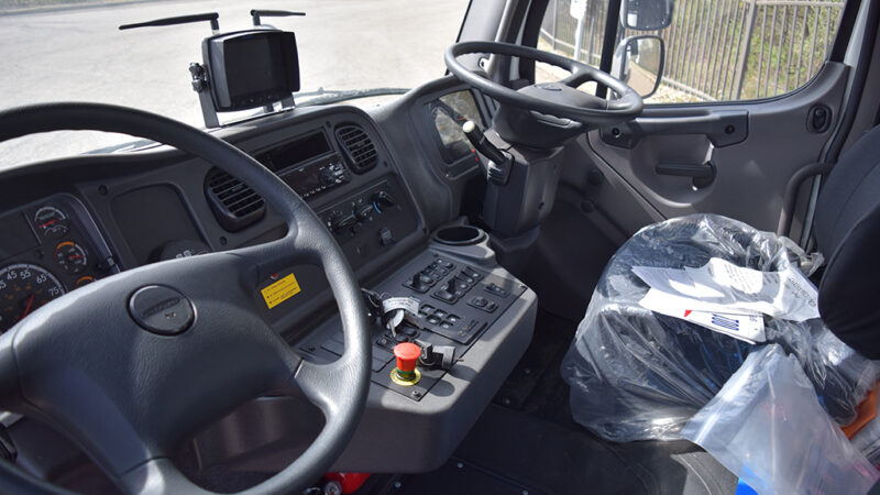 9-ARM-TruckCorp-Chassis-Mounted-Vacuum-Leaf-and-Debris-Collector-(14)